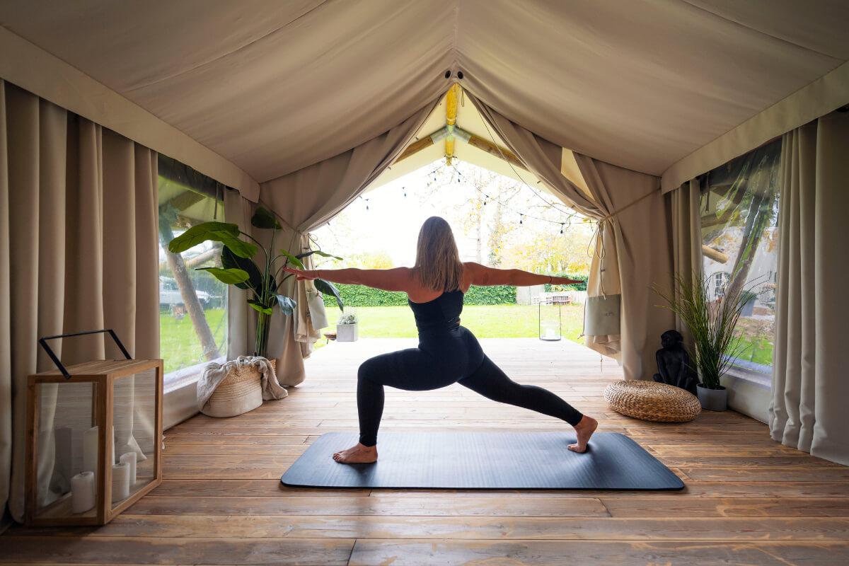 Wild at Home Yoga zicht nr buiten